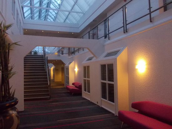 Comfort Hotel Kristiansand: View from the floor towards the room