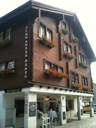 Hotel Schwarzer Bären: Restaurant & Rooms