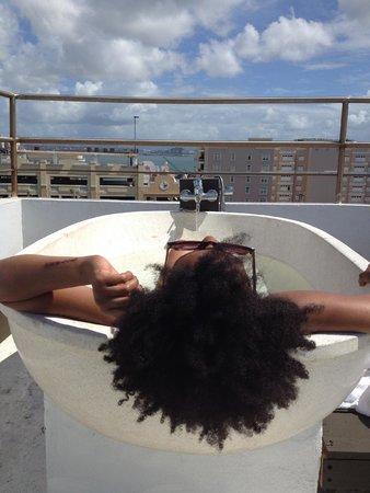 CasaBlanca Hotel: Hot Tubbin'