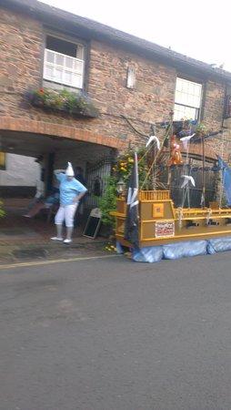 The Ship Inn: carnival night