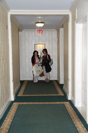 Avalon Hotel: Pasillo