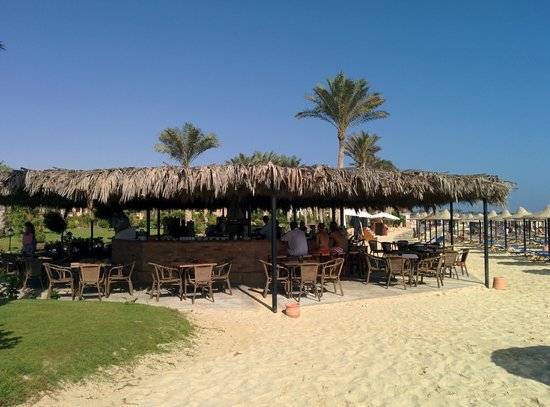 Jaz Almaza Beach Resort: Bar Spiaggia