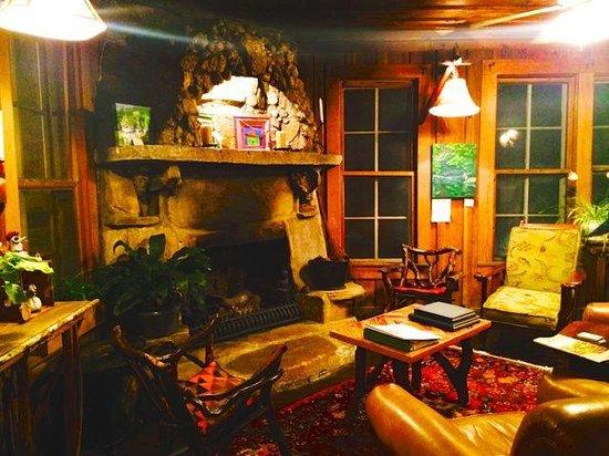 Lake Rabun Hotel & Restaurant : Cozy Lobby