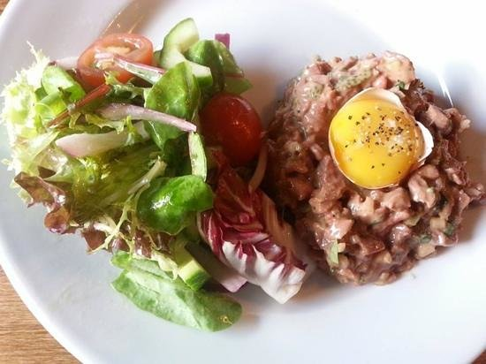The Butchershop Bar and Grill : steak tartare... delish!