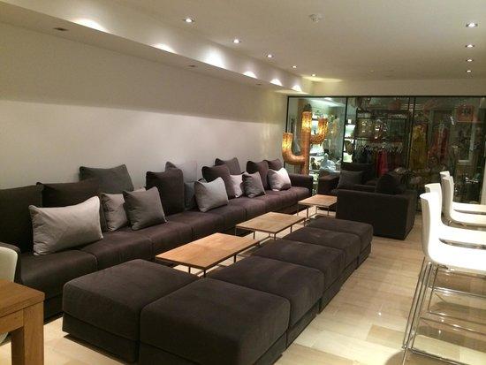 Hotel Tahiti: Lounge area