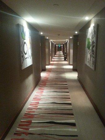 Holiday Inn Al Khobar-Corniche: Corridor