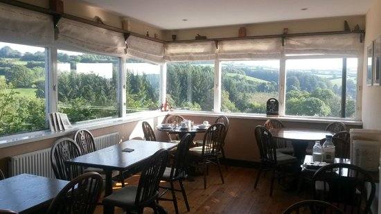 The Tradesman's Arms: Beautiful view to enjoy over breakfast!