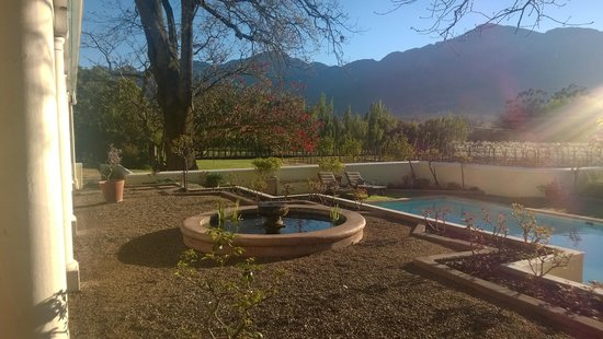 Auberge Clermont: Stunning mountain surrounds