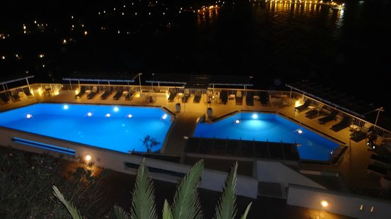 Aegialis Hotel & Spa: the pool by night