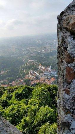 Casa Miradouro : Вид от крепости на Синтру