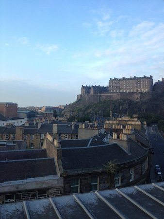 DoubleTree by Hilton Hotel Edinburgh City Centre: View from the SkyBar