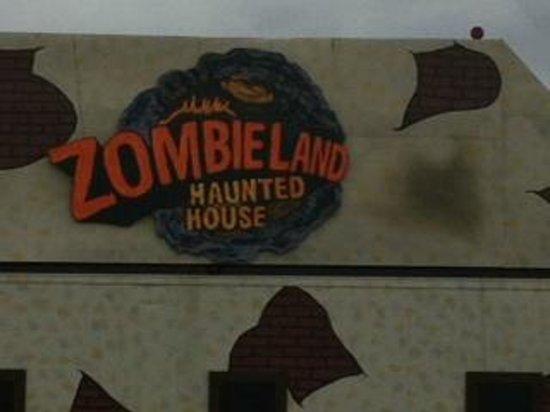 Funopolis Family Fun Center: Funopolis transforms into Fearopolis in Oct - Haunted house
