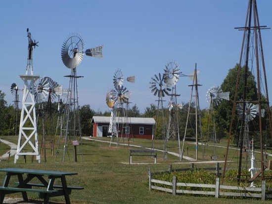Kendallville, IN: Just enjoy this mecca for windmill lovers!