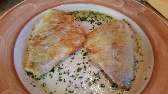 Pizza Peppe : Дорадо с золотыми чешуйками из картофеля! Очень красиво и очень вкусно!