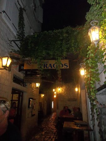 Tragos: Located in a small street