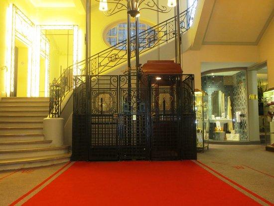 Hôtel Barrière Le Westminster : Foyer
