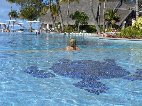 Ambre Resort & Spa: Piscine