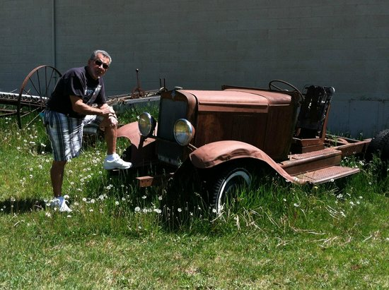 Chelan County Museum and Pioneer Village: My husband found an old rusty vehicle on the museum property