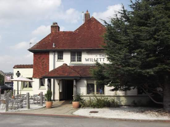 The Willett Arms: View of pub/restaurant