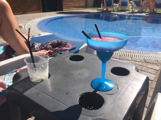 Aqua Pedra dos Bicos Design Beach Hotel: By the smaller pool