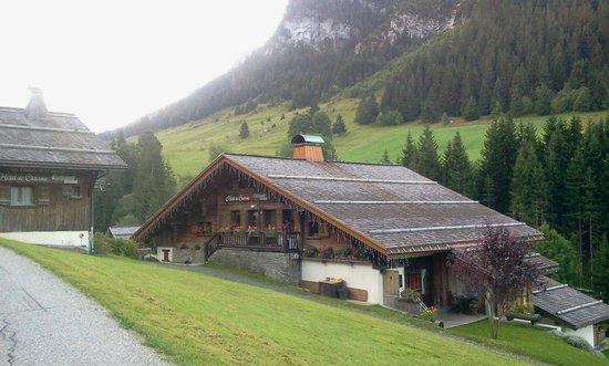 Les Chalets de la Serraz: Hôtel