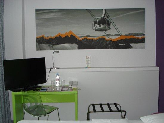 ibis Styles Luzern City : Habitación