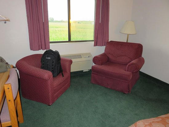 Super 8 Gas City Marion Area: 2 side chairs