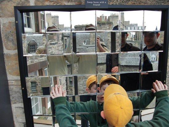 Camera Obscura et World of Illusions : Mirror mirror