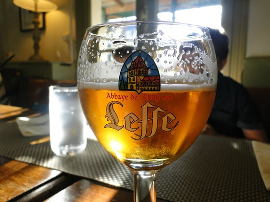 Auberge Du Lac : Leffe and Kronenbourg on draft