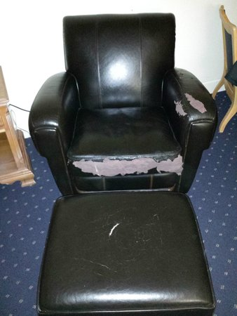 Colton Inn: This was the chair in our room...