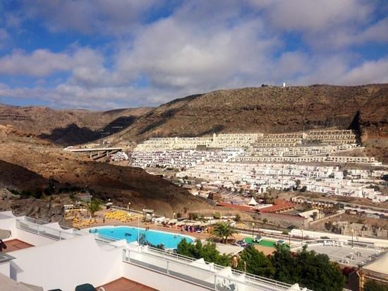 Hotel Servatur Terrazamar Suite & Sun Suite : view over middle pool