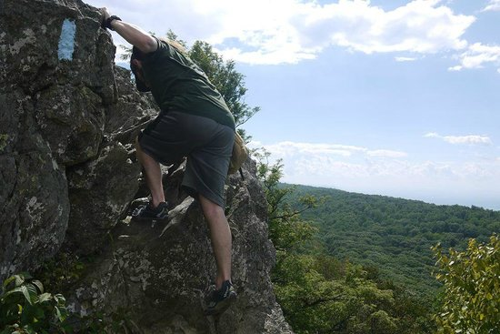 Bearfence Mountain: Friend Climbing