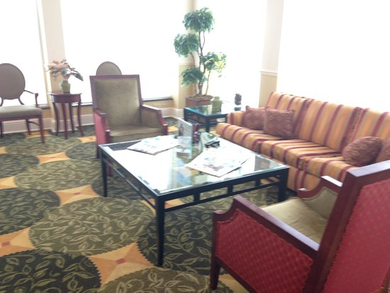 Hilton Garden Inn Gulfport Airport: lobby