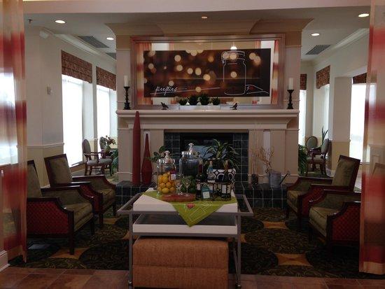Delightful Hilton Garden Inn Gulfport Airport: Lobby