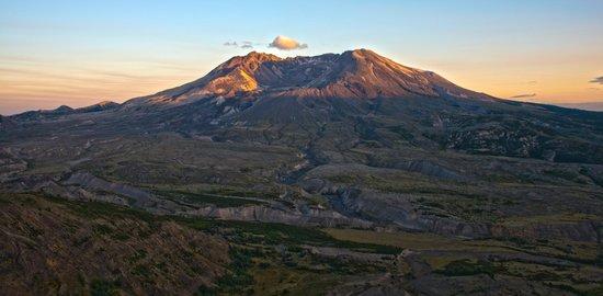 Johnston Ridge Observatory: Mt. St. Helens sunset in southern Washington.