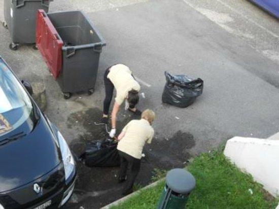 Novotel Genève Aéroport France: Enlevement des ordures