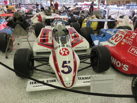 Indianapolis Motor Speedway Museum: Take the Grounds Tour!