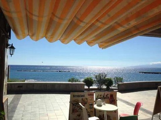 Gula ice cream parlour: Sea view.  вид на море. Vista sur mar.