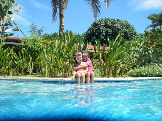 Hotel Bula Bula: Poolside at Bula Bula