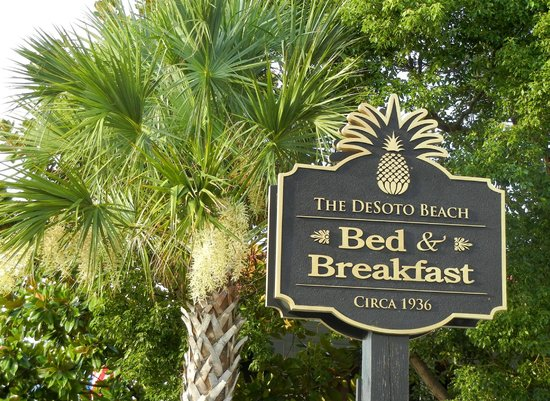 DeSoto Beach Bed & Breakfast: Wonderful location!