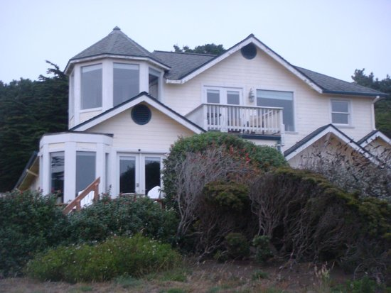 Mendocino Seaside Cottage: View of the cottage from the rear