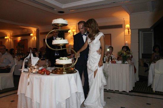 Coral Hotel Athens: Κοπή τούρτας...