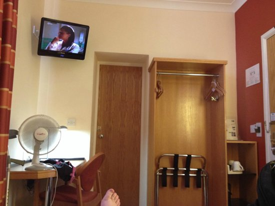 Holiday Inn Express London - Victoria: This is a double room