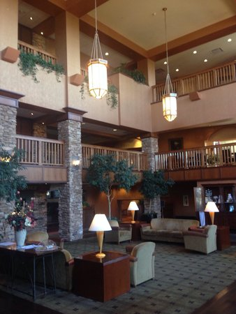 Quail Hollow Resort: Lobby