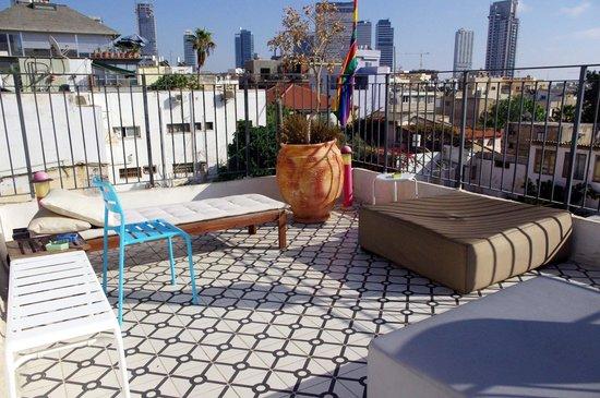 Pink House TLV: terrazzo