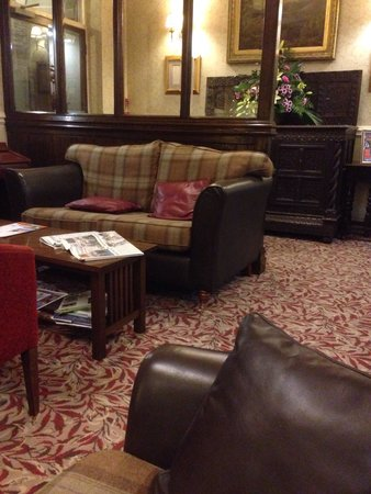 The Borrowdale Hotel: Front room near the door
