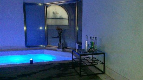 Quintocanto Hotel & Spa : Dettaglio piscina