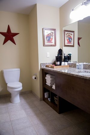 Hotel Floyd: Standard Room Bathroom