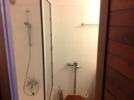 Ngorongoro Wildlife Lodge : dodgy bathrooms