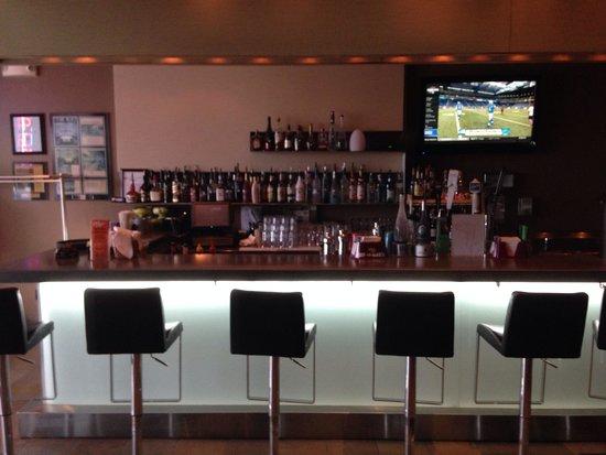 Charlie Chiang's: Full bar!!
